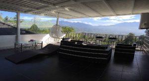 Villa Batu Malang dekat Agro